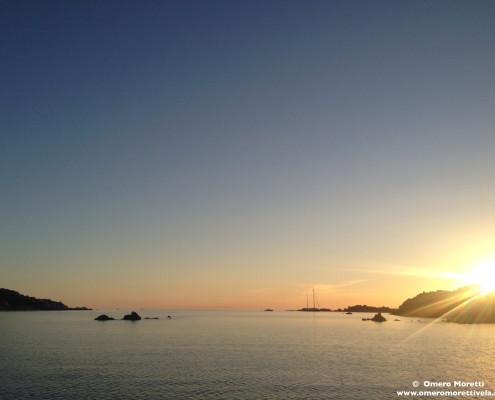 vacanze in barca a vela sardegna e corsica tramonto budelli