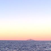 elba corsica in barca a vela navigazione all'alba