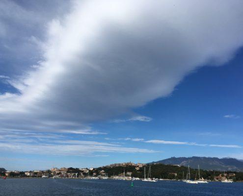 maestrale nuvola su portovecchio
