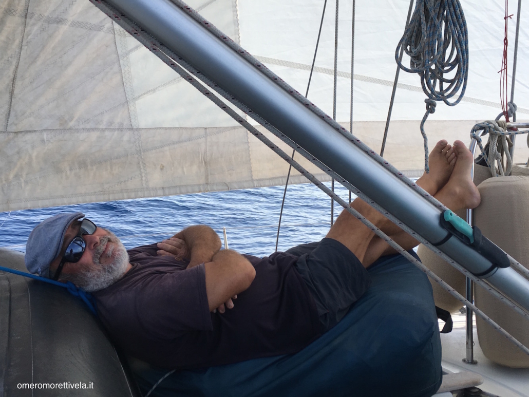 la pazienza dei marinai omero dorme sotto il fiocco