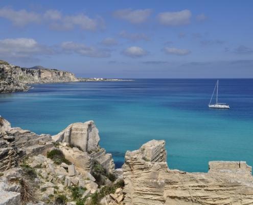 sicilia in barca a vela favignana