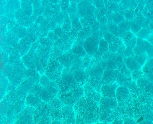 Egadi in barca a vela Acqua in porto Marettimo