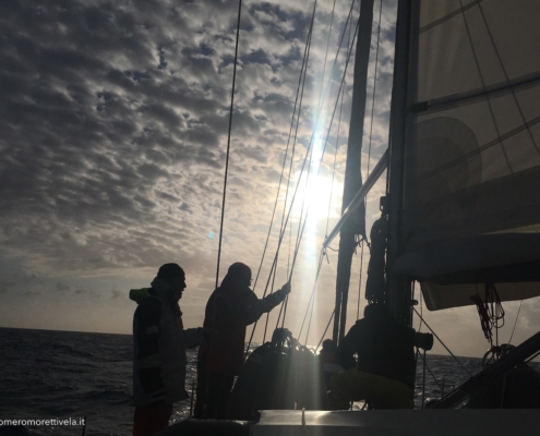 scuola vela in Mediterraneo manovre a prua
