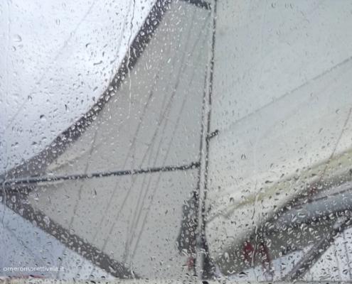 traversata del tirreno a vela pioggia