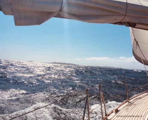 traversata del tirreno a vela arrivo nelle bocche di bonifacio
