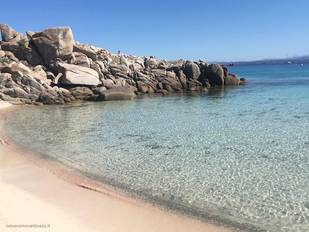 settimana a vela in Sardegna spiaggia a lavezzi vacanze in barca a vela Sardegna
