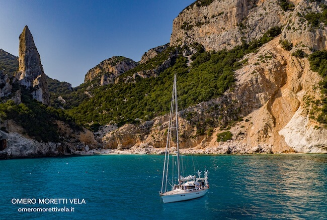 vacanze in barca a vela in Sardegna del nord cala goloritze