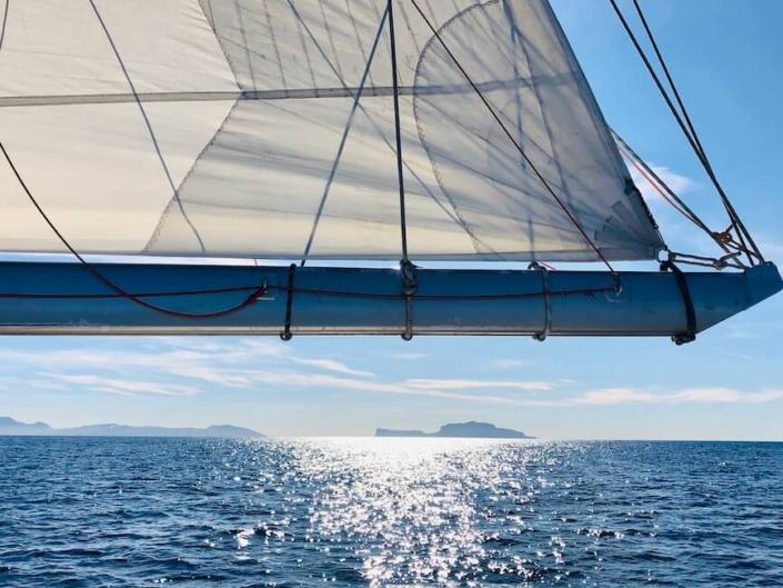 golfo di napoli barca a vela